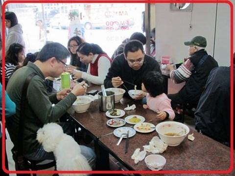 乾元汤怎么喝_小小的路边摊却带有好味道 0 价目表 : 价格并不贵,贡丸汤只要$20元!