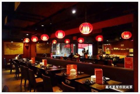 我们常看到很多火锅店家的高丽菜,是完整四分之一的