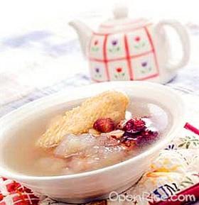 銀耳香菇雞肉湯