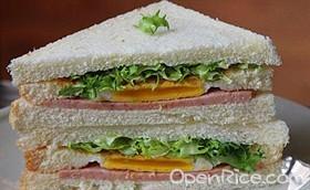 午餐三明治