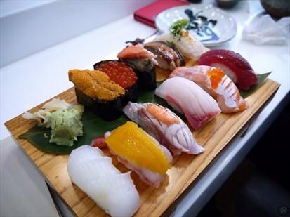 十二貫手攥握壽司