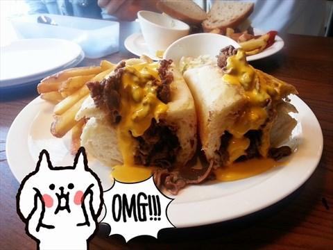 溢出來的費城牛肉三明治