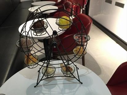 造型可愛的摩天輪下午茶組合